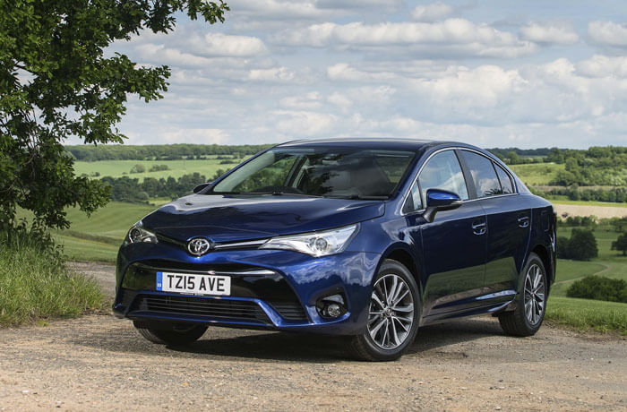 The 5 Safest Large Family Cars You Can Buy