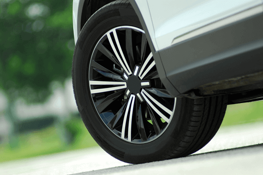 An alloy car wheel