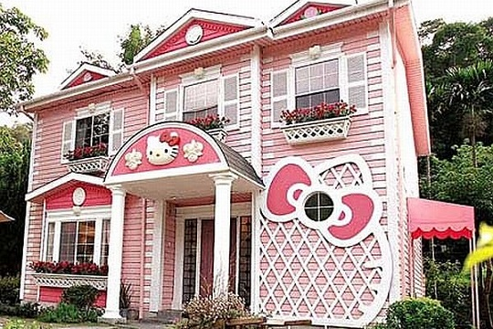 Hello Kitty self built house