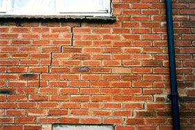 House with subsidence cracks